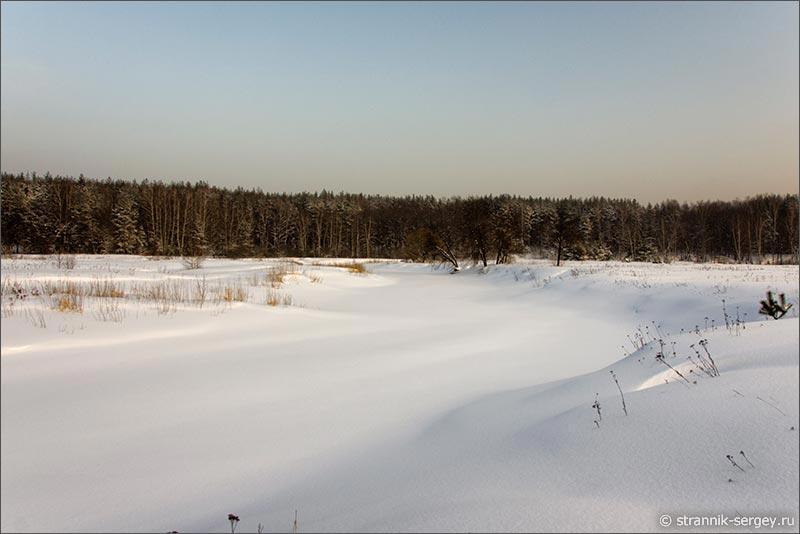 Идти по снегу в босоножках
