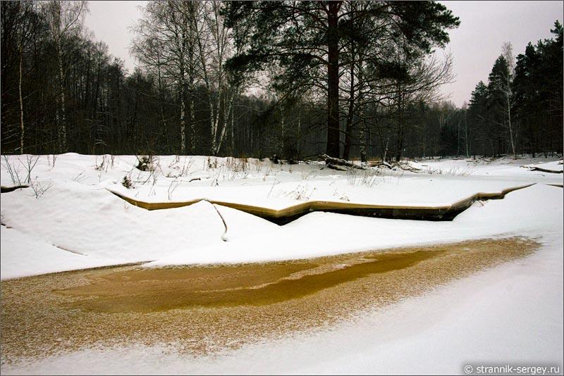 река Поля зимой