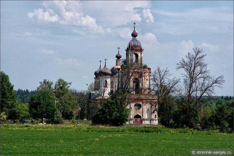Преображенская церковь в Спасс-Косицах на берегу Исьмы